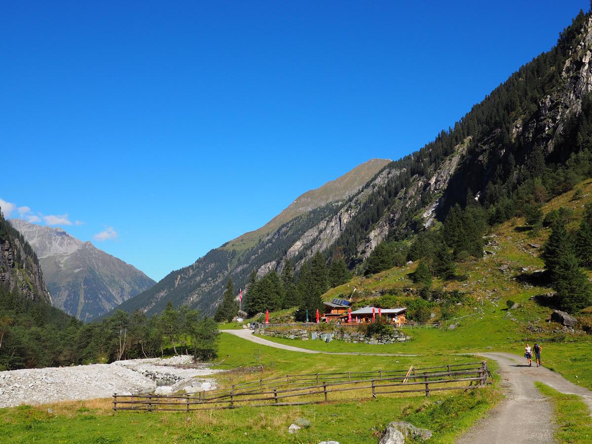 Wandern im Zillertal - Steinbockhaus im Floitental