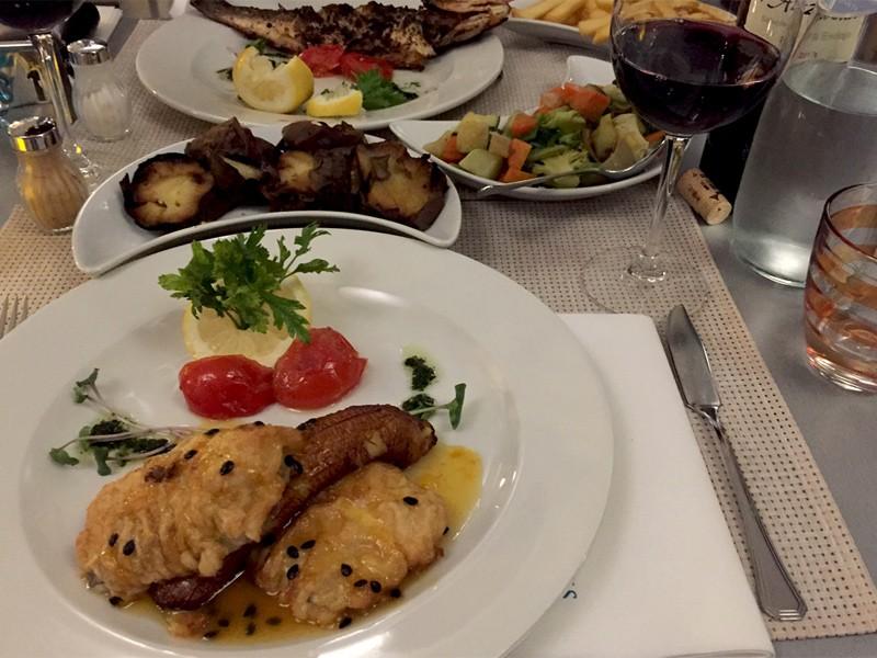 Madeira - Restaurant Atlantis in Canico de Baixo