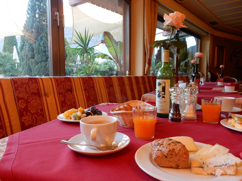 Hotel Panorama Nocturnes, Naturns - Frühstück
