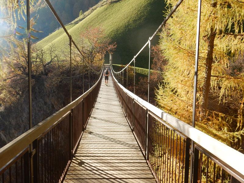Wandern Meraner Höhenweg - Hängebrücke