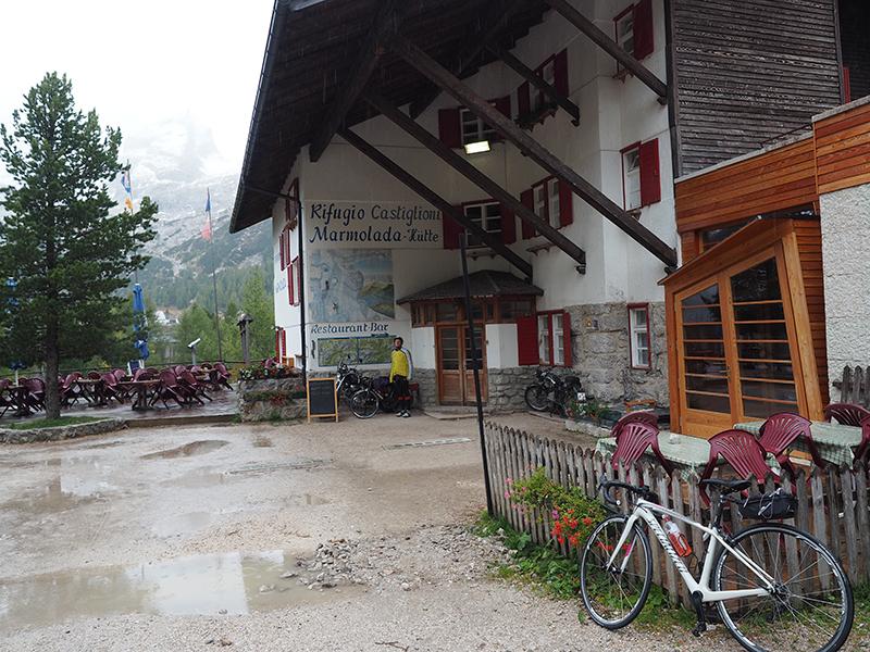 Marmolada-Hütte am Fedaia-Pass