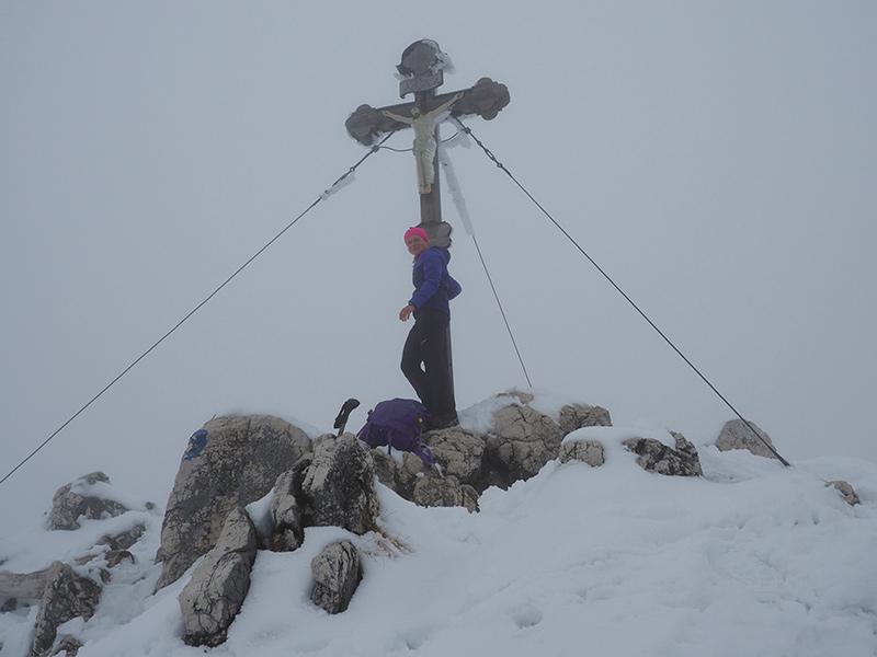 Winterwandern Breitenstein - Gipfelkreuz