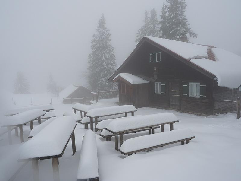 Winterwandern Breitenstein - Hubertushuette