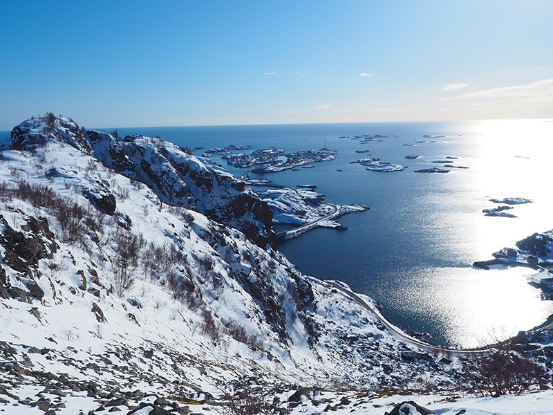 Lofoten - Wandern Festvagtinden, Ausblick auf Henningsvaer