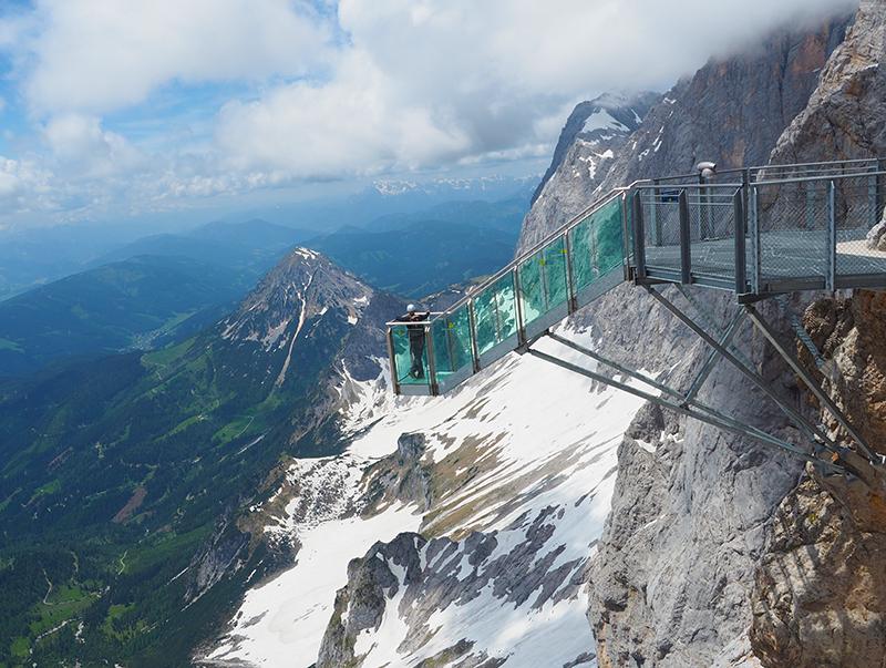 Dachstein Gletscherwelt - Treppe ins Nichts
