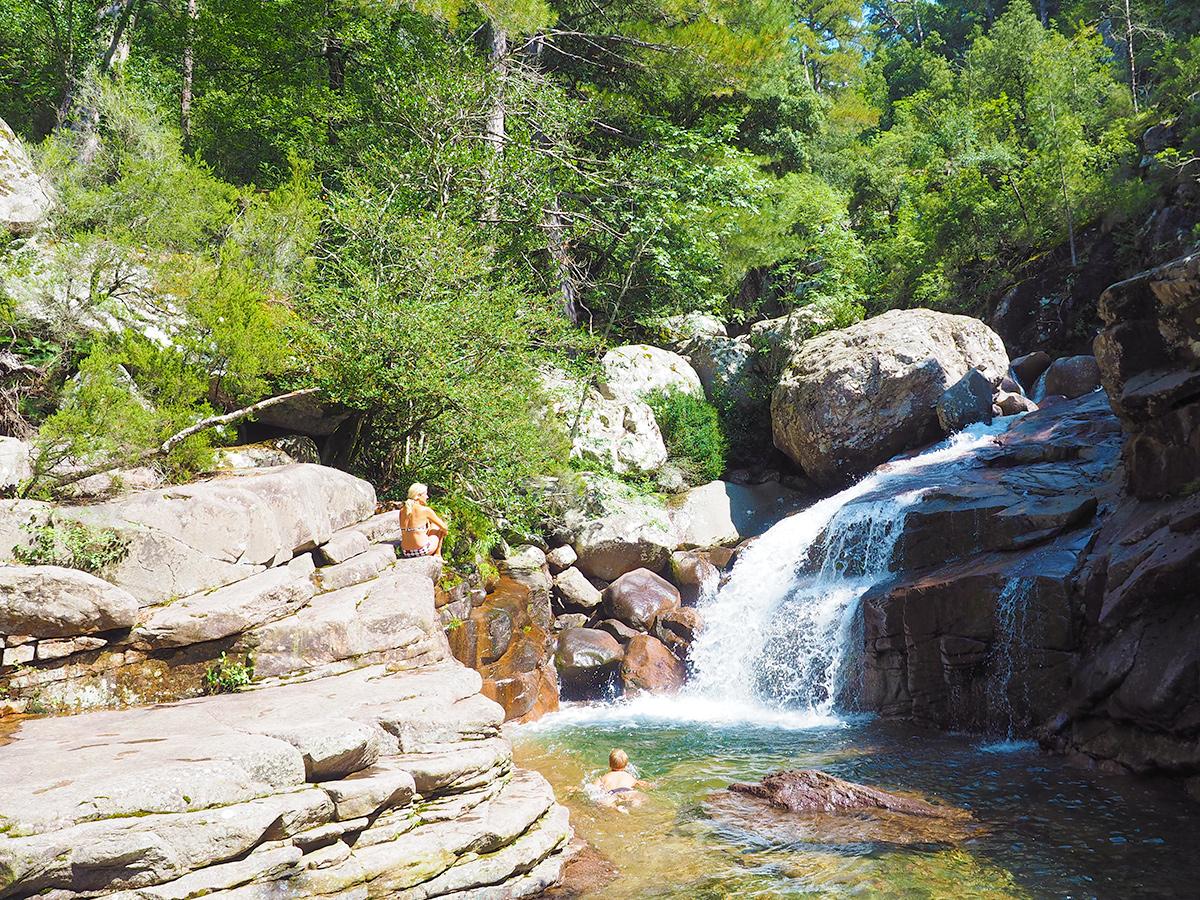 Wandern auf Korsika - Foret de Bonifatu - Gumpe