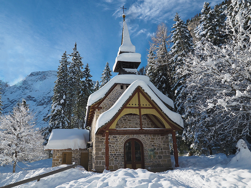 Pragser Wildsee im Winter - Kapelle
