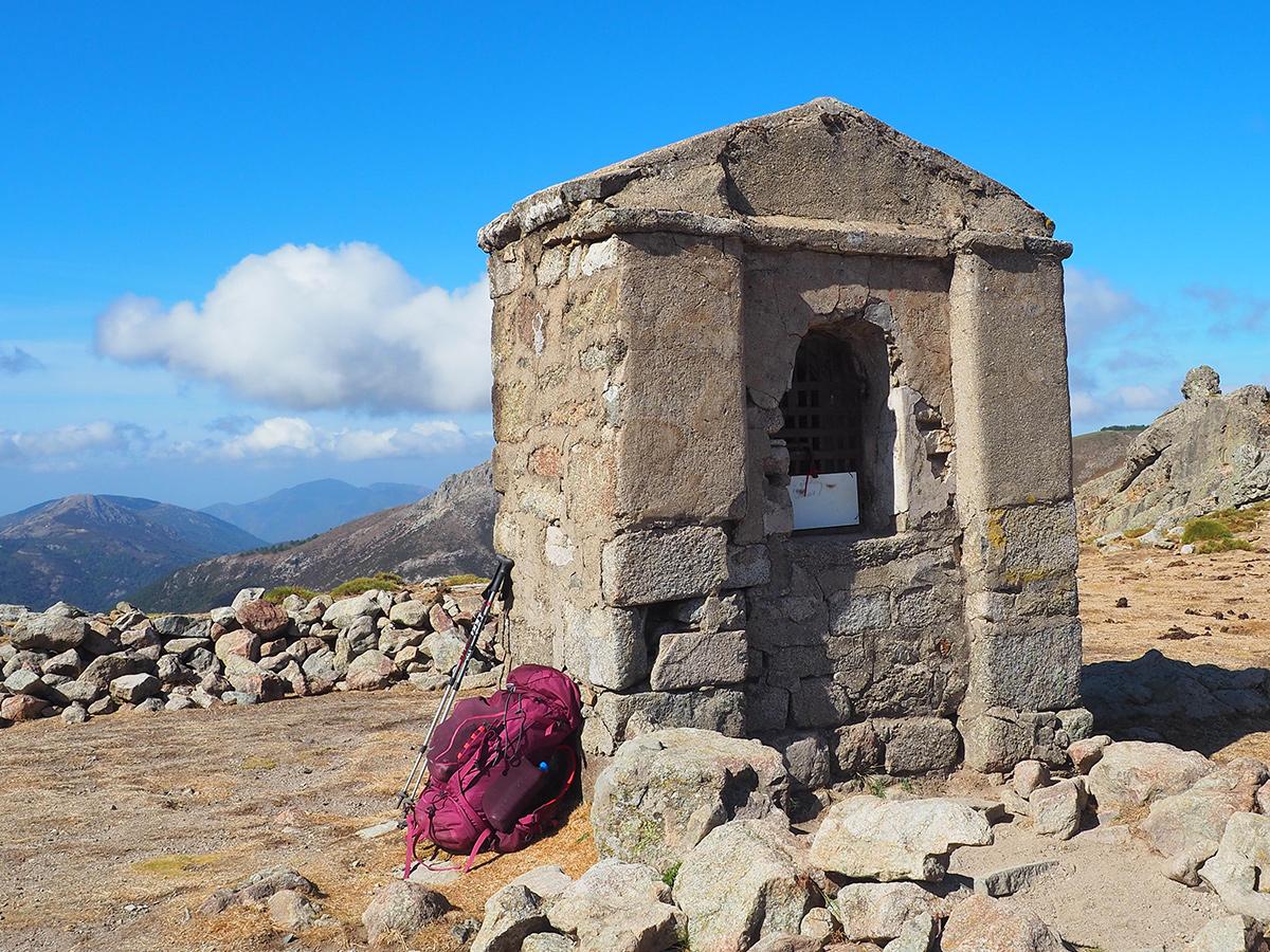 Wandern auf dem GR20 - Kapelle San Pedru, Korsika