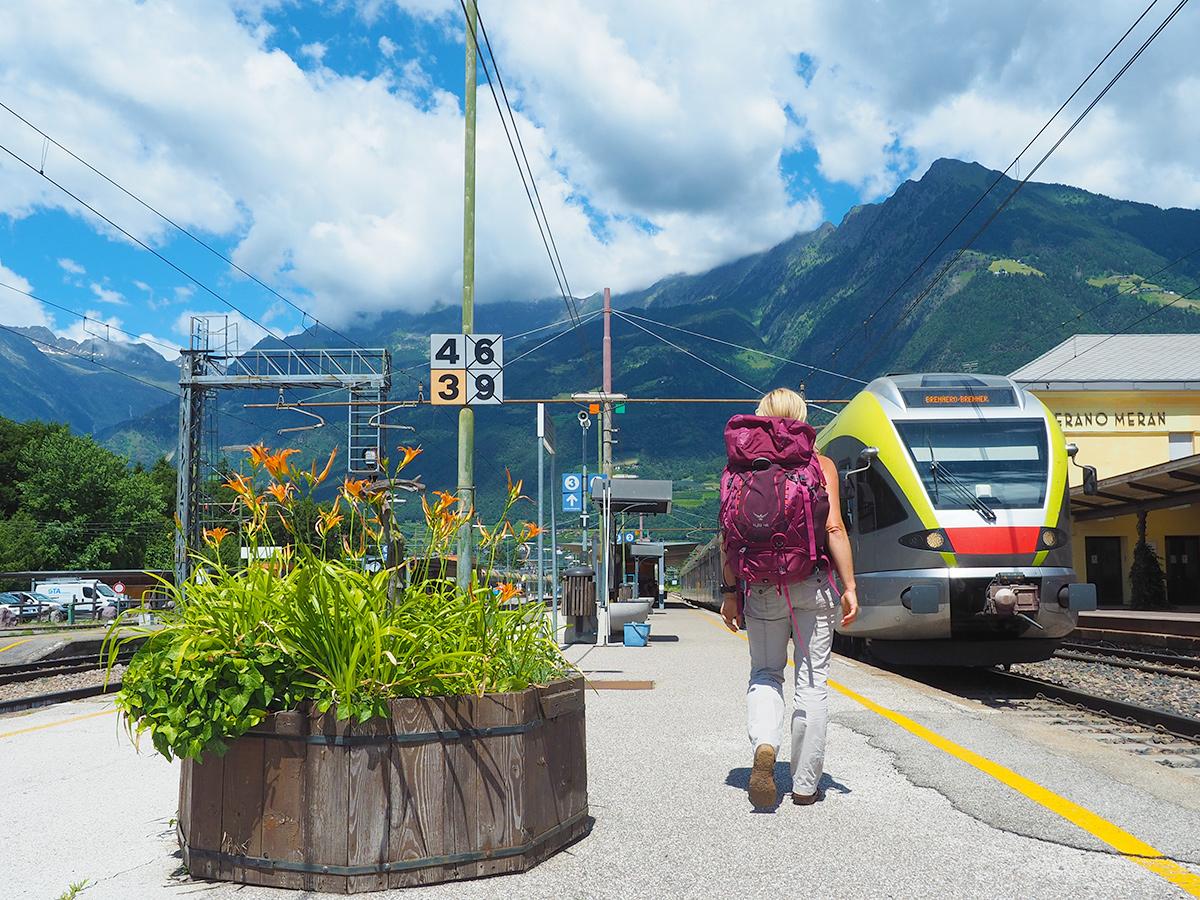 Zugreise mit Rucksack nach Sütirol