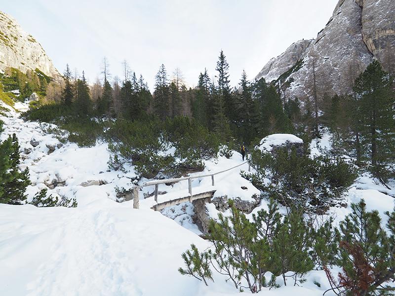 Winterwandern Drei Zinnen Blick - Rienzboden, Brücke