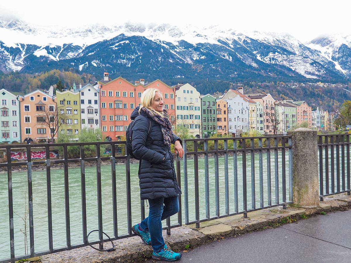 Innsbruck - Ausblick auf Inn, Stadteil Mariahilf & Berge