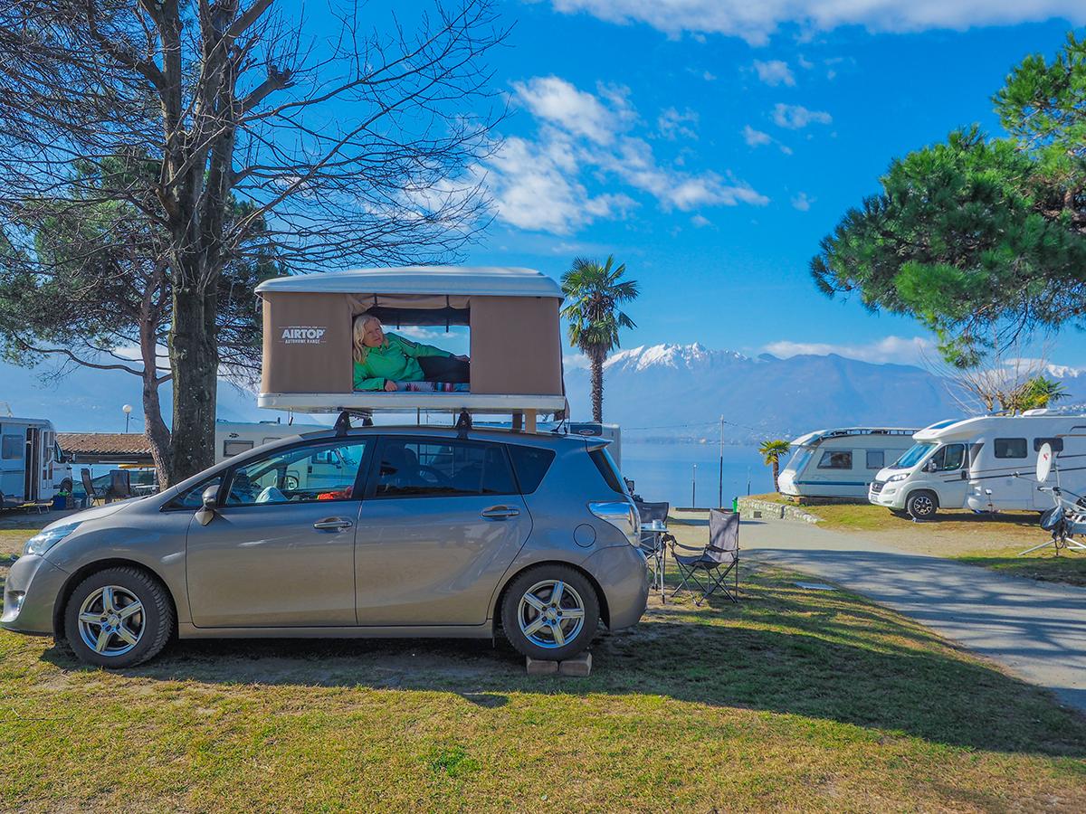 Lago Maggiore - Campingplatz in Tenero, Dachzelt