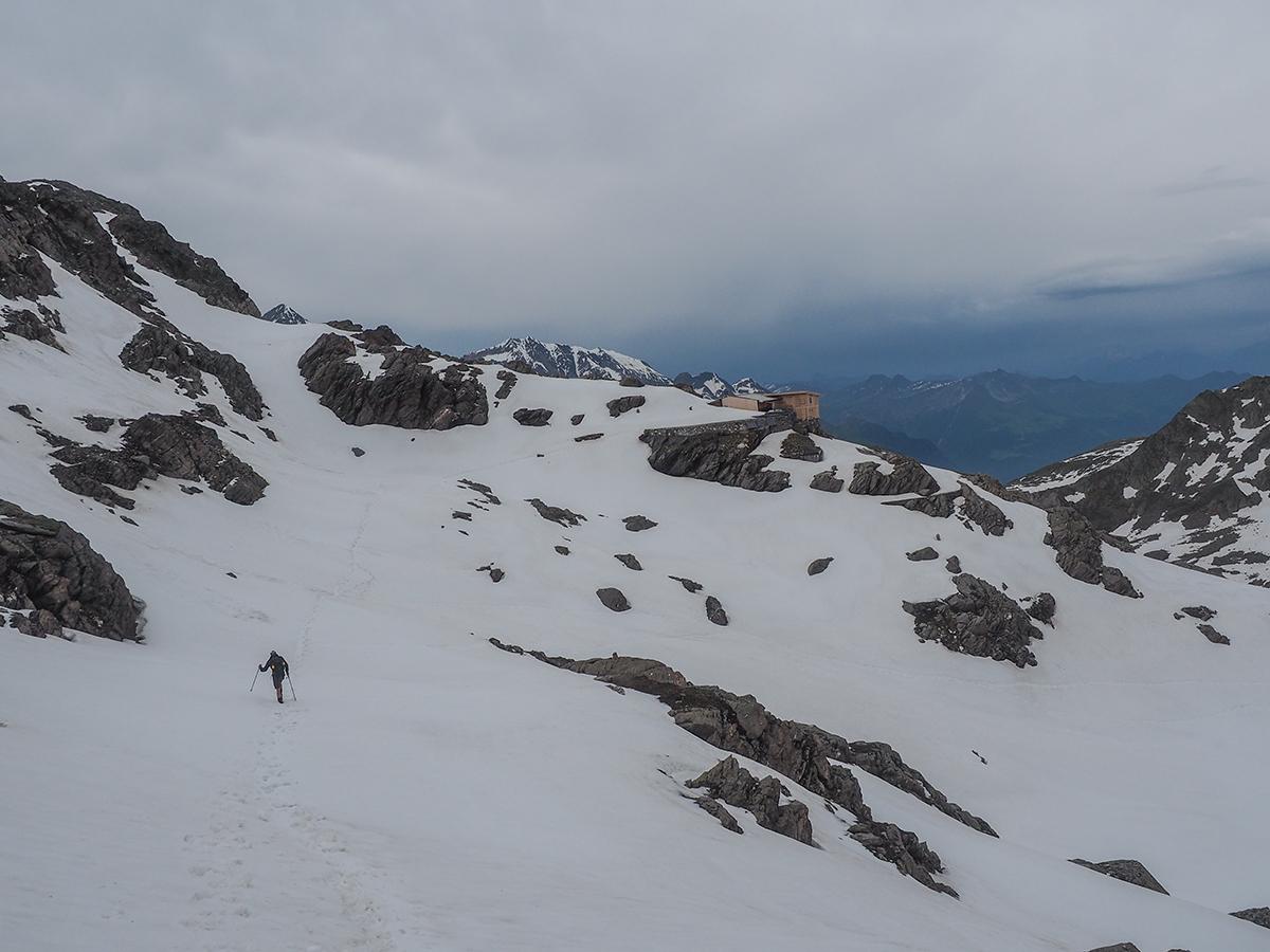 Meraner Höhenweg Wandern - Eisjoch - Stettiner Hütte, Schneefeld