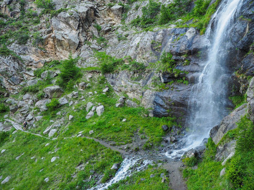 Meraner Höhenweg - Wandern Giggelberg - Katharinaberg, Wasserfall