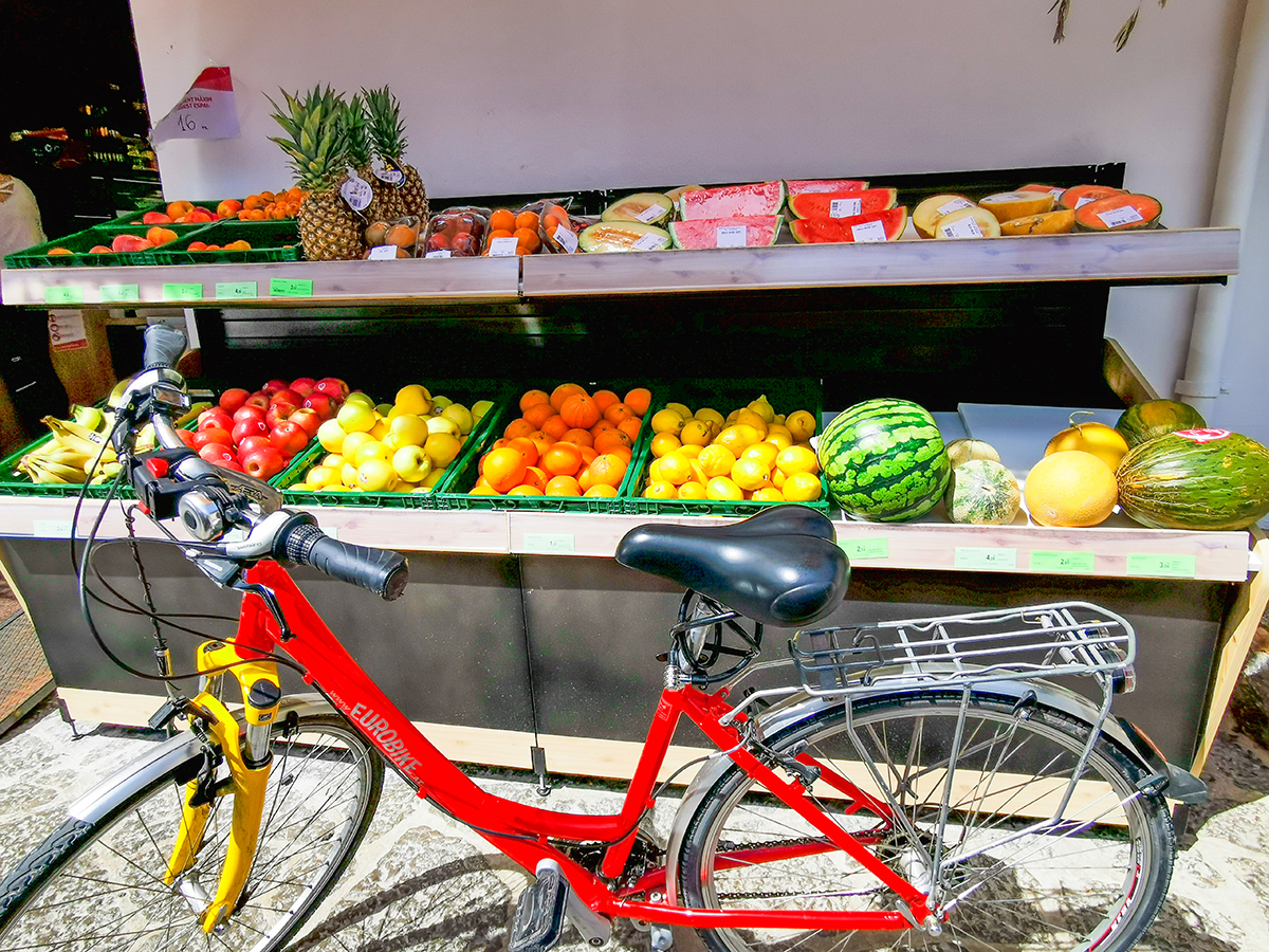 Mallorca Radreise - Deia, Supermarkt