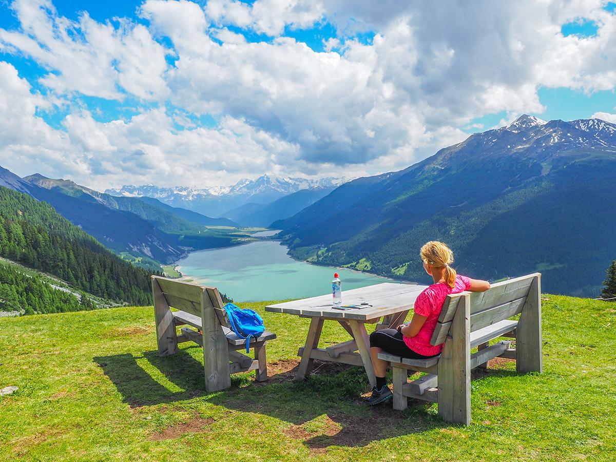 Wandern Reschensee - Plamort, Rast